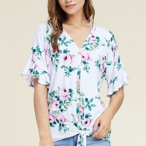 NWT Staccato TIE HEM FLUTTER SLEEVE FLORAL TOP